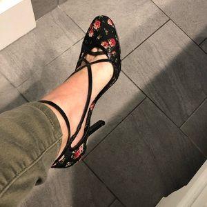 Nine West black rose pattern heels